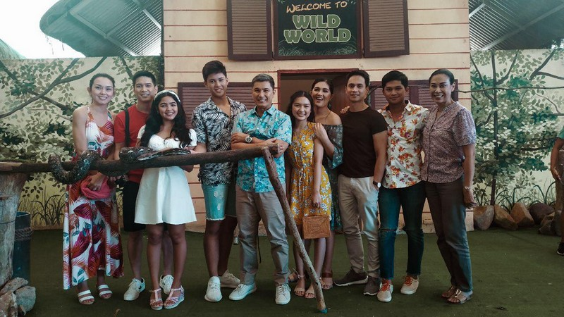 Behind-The-Scenes Photos: Mondragon Family Outing