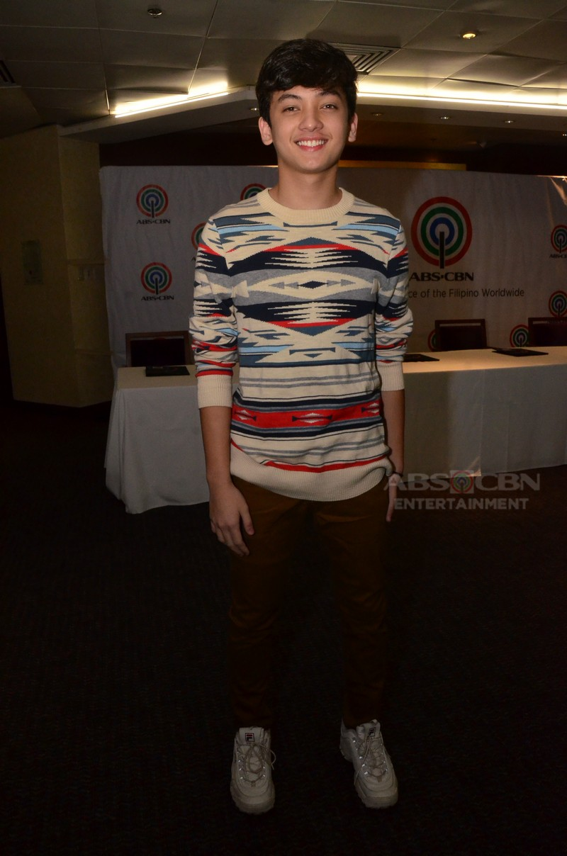 Seth Fedelin inks his two-year contract with ABS-CBN