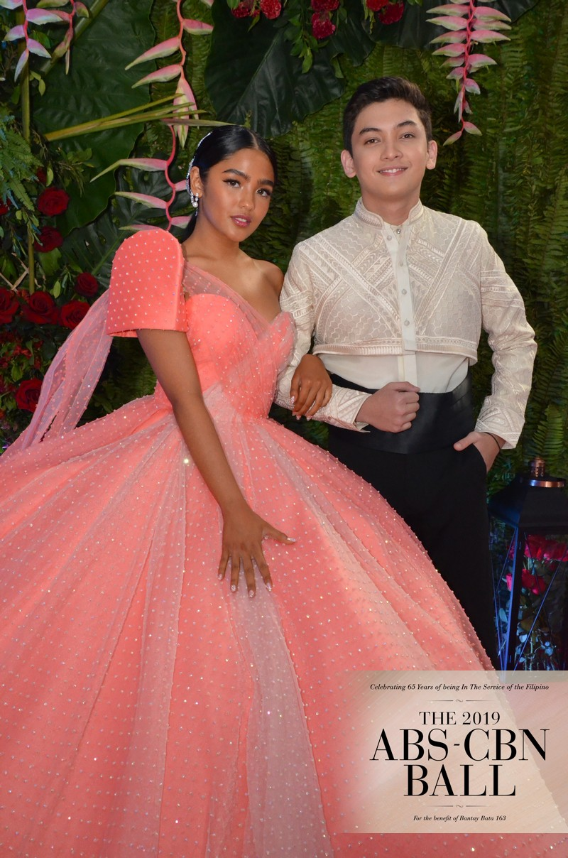 ABS-CBN Ball 2019: The Gold Squad turns heads on the Red Carpet
